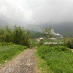 シバヤック山近郊の温泉村3、ラジャベルネ村の野菜売り場やお土産屋など